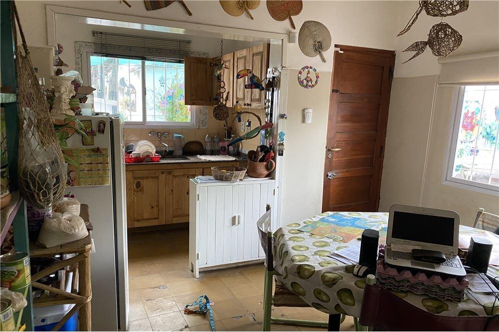 venta casa chalet 2 dormitorios, 1 baño, galpon
