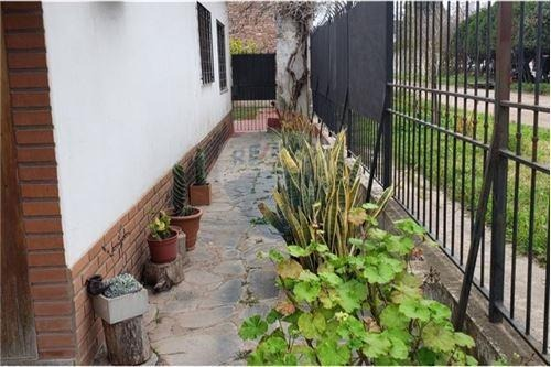 venta casa chalet 4 ambientes malvinas argentinas