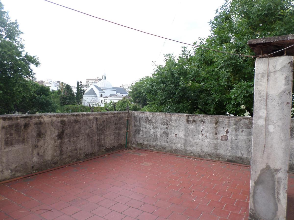 venta - casa - colegiales  - seis ambientes - dos terrazas - garages para tres autos