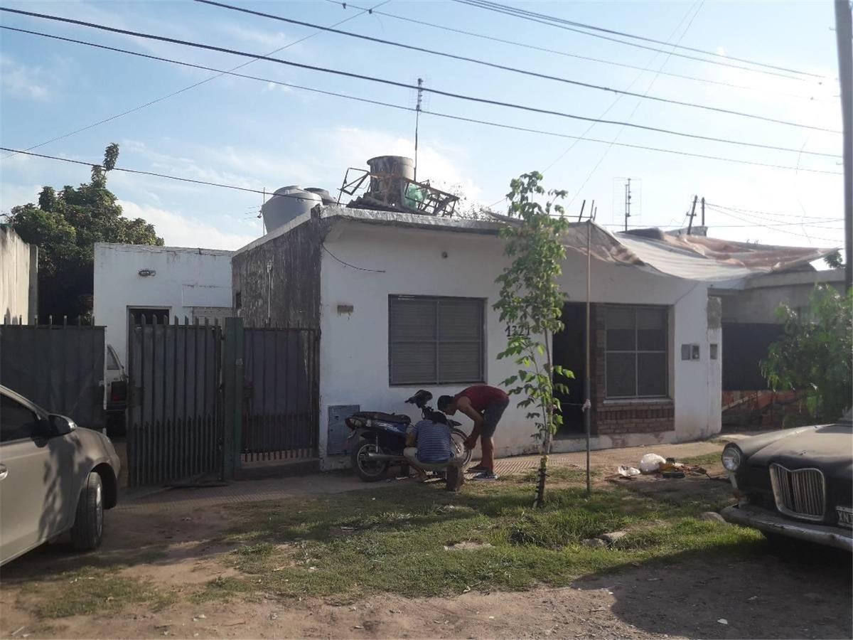 venta-casa con depto. al frente