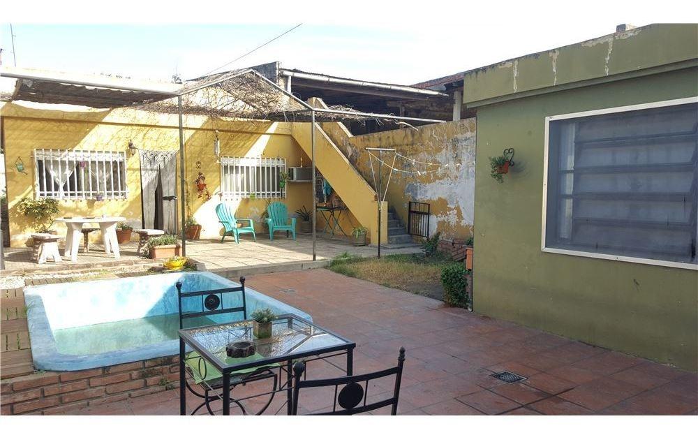 venta - casa con gran terreno barrio saladillo.