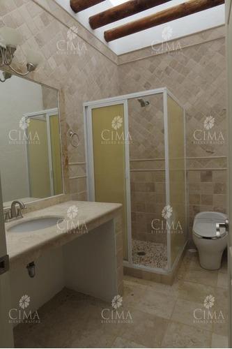 venta casa con iluminados y amplios espacios - v177