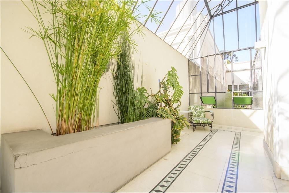 venta casa con jardin, terraza,pileta, san telmo