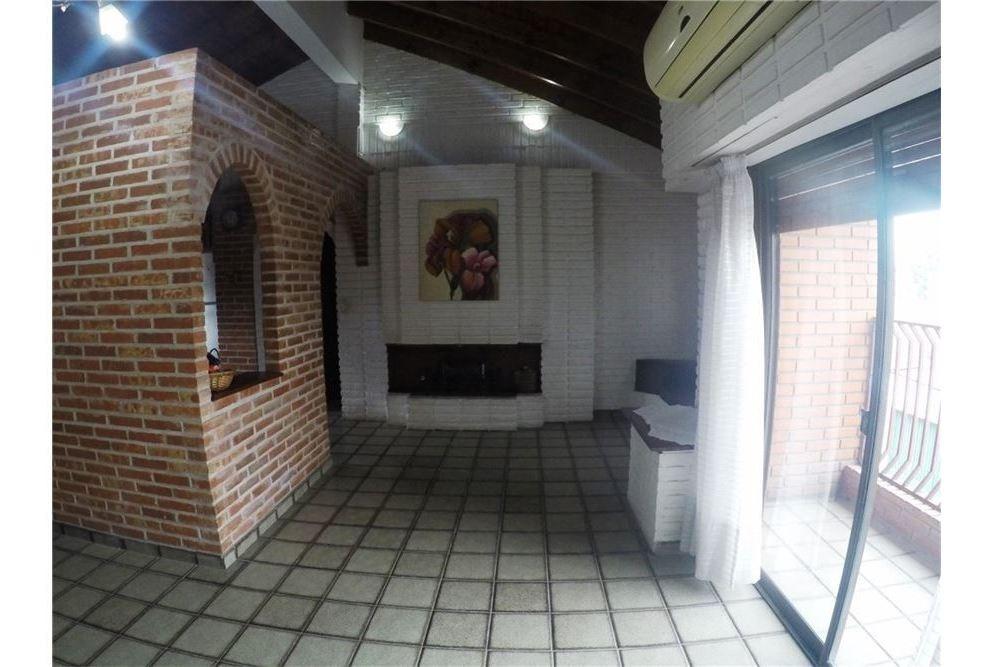 venta casa con local industrial en villa madero!!!