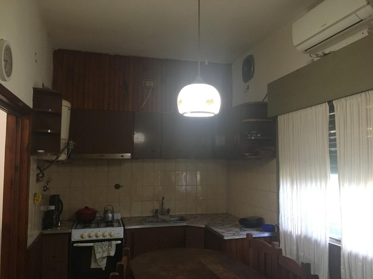 venta casa con local llavallol norte