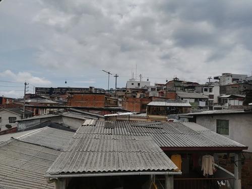 venta casa con renta, sector villanueva, manizales