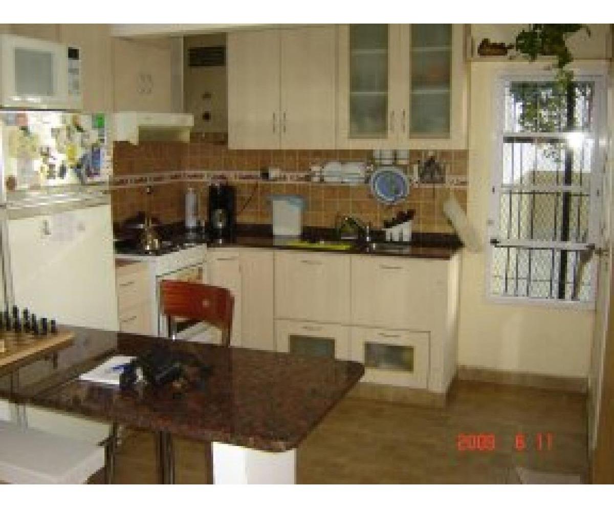 venta casa con taller, doble cochera crespo 3675 u$s120.000 (bvr segui 3200)