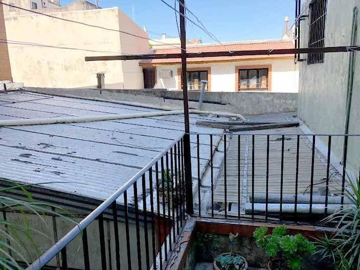 venta casa con taller o galpon 5 amb parque chacabuco