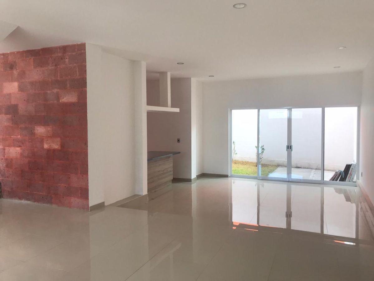 venta casa contemporánea en home coto club, con acabados de lujo y roof garden