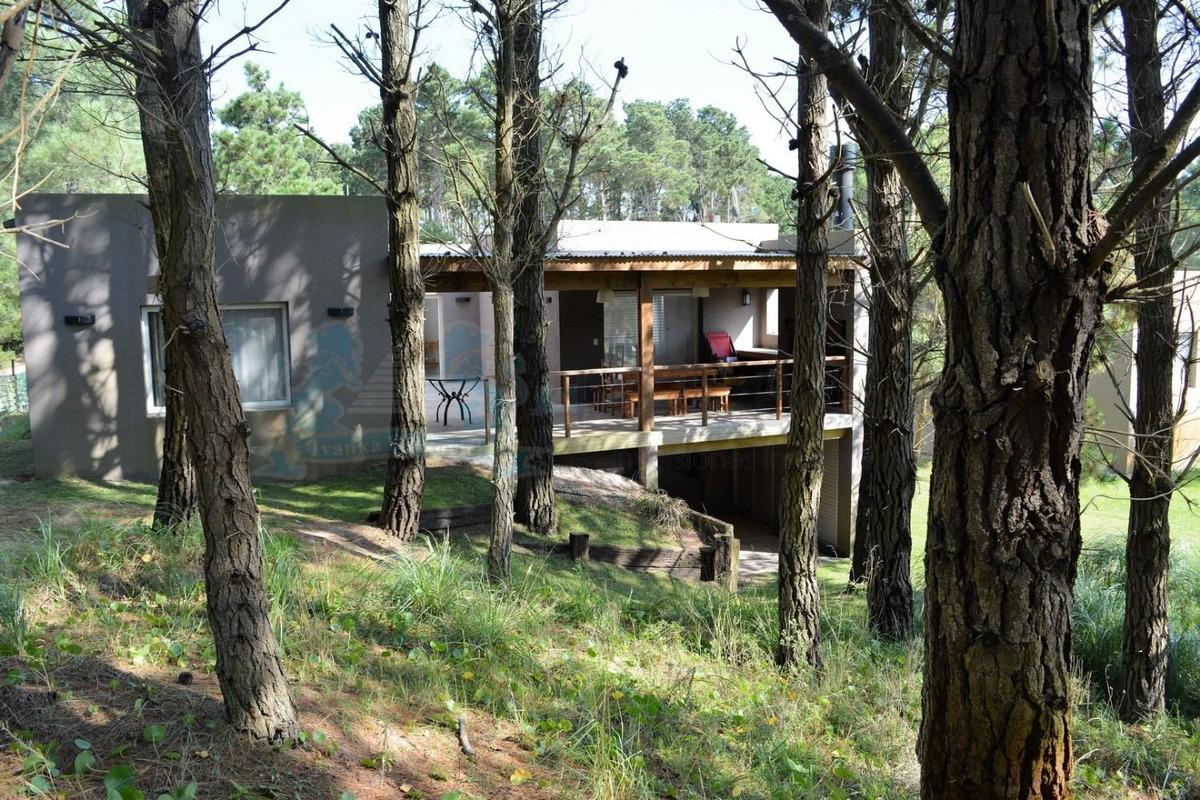 venta casa costa esmeralda barrio cerrado 0168