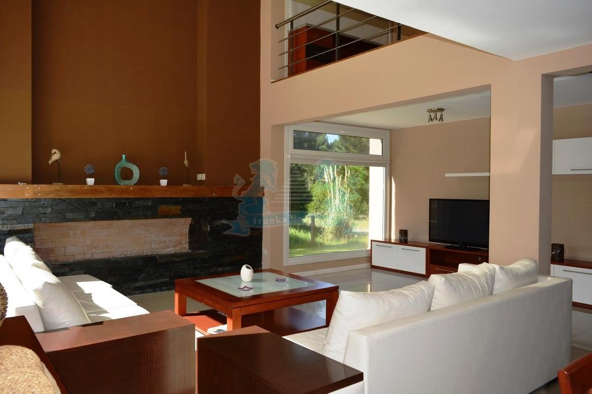 venta casa costa esmeralda barrio cerrado 5 dormitorios 0102