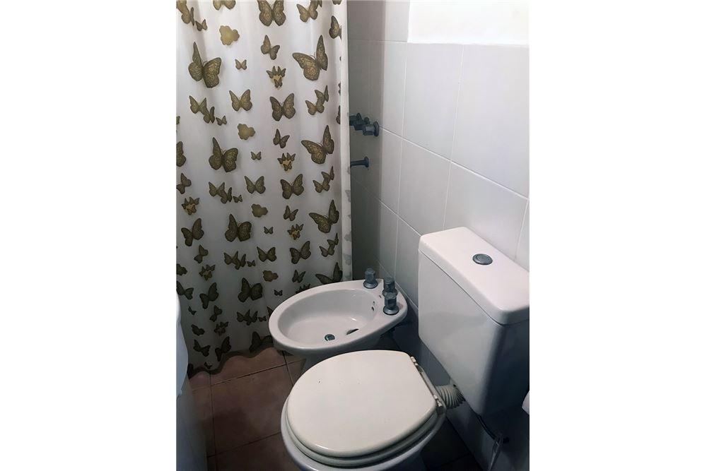 venta casa de 195 m2  en florencio varela