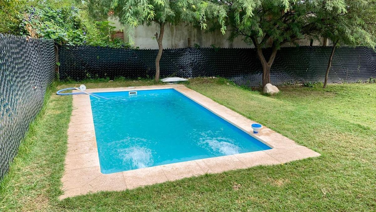 venta casa de 2 dorm. con piscina - saldan