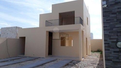 venta casa de 2 recamaras, 2 planta, en pensiones, mérida, terreno de 180 m2, construcción 120 m2