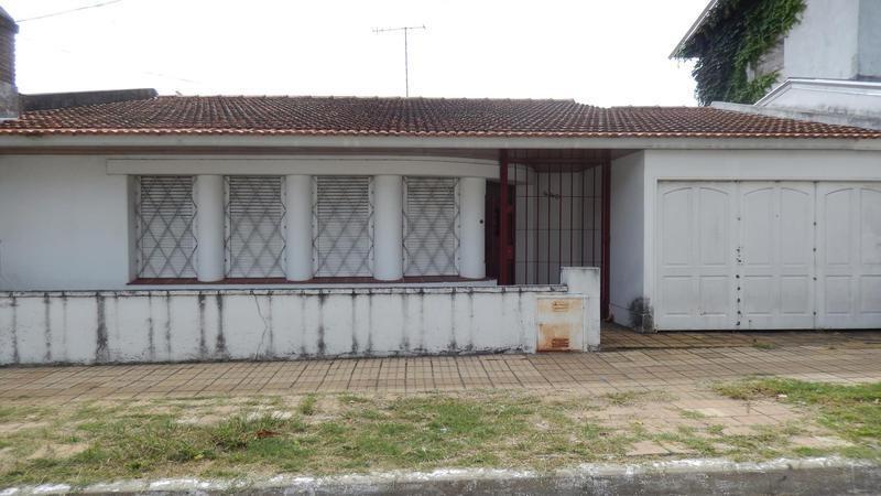 venta casa de 3 ambientes - a reciclar-