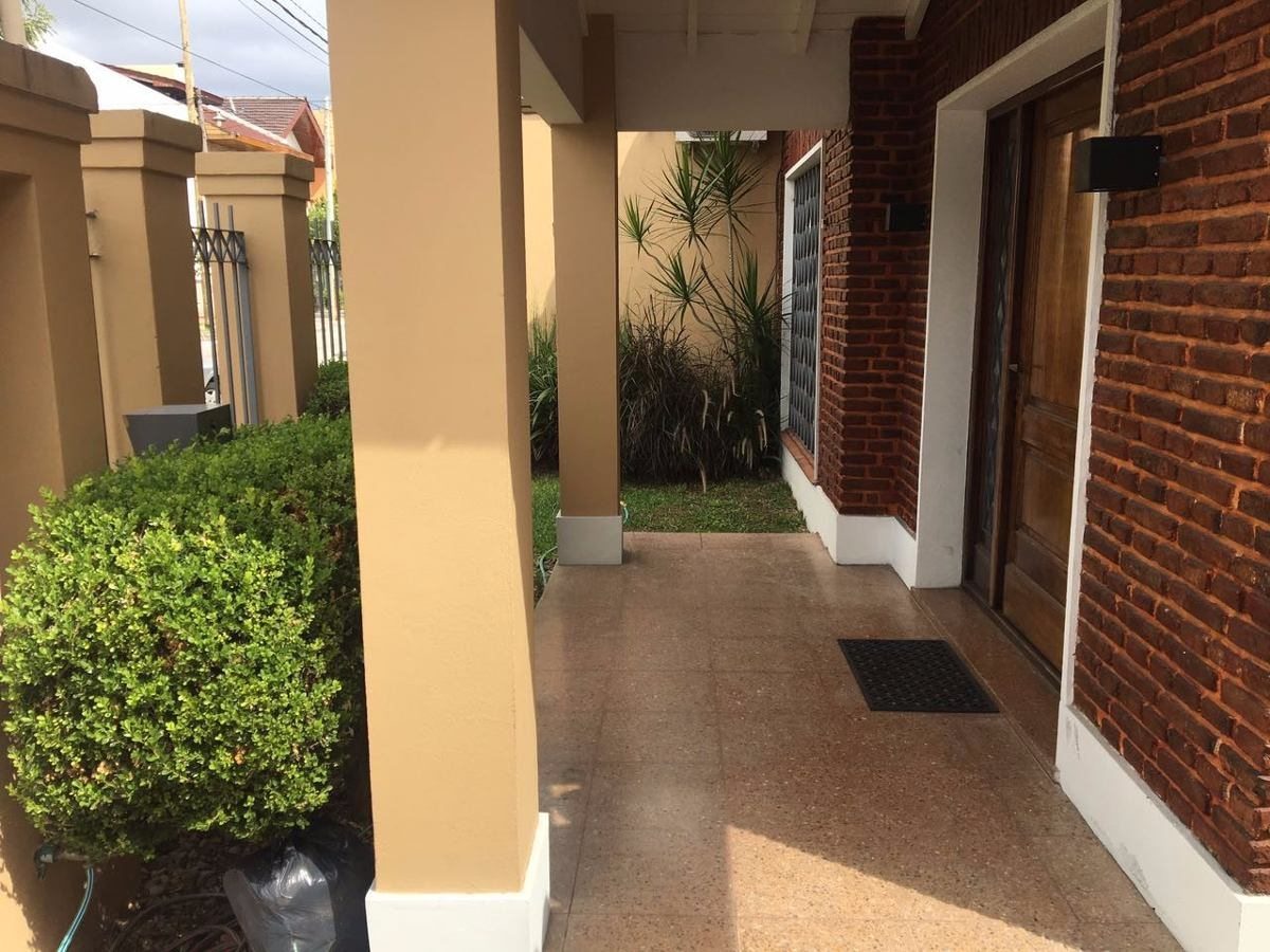 venta casa de 3 ambientes en garay 200 ramos mejia