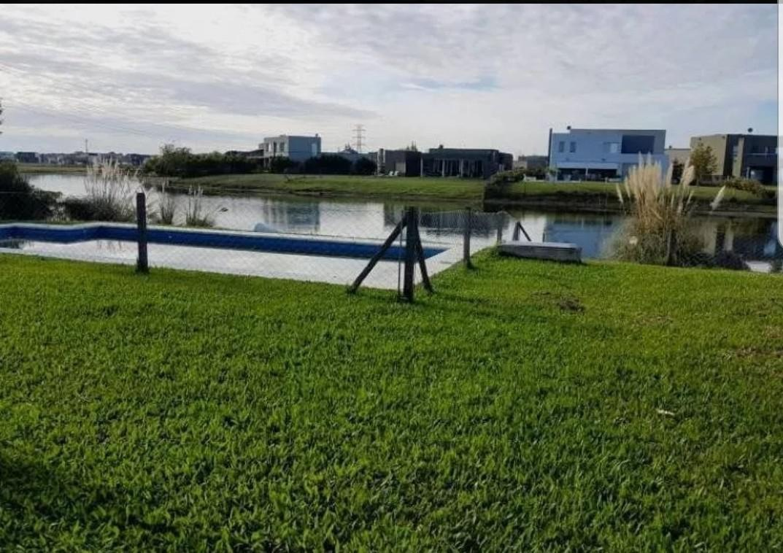 venta casa de 3 dorm. al lago con piscina san francisco  villanueva, tigre