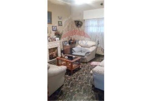 venta casa de 3 dorm con patio y cochera