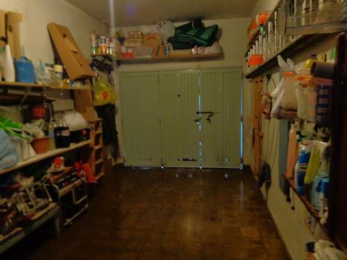 venta casa de 4 amb. con cochera y patio en planta baja