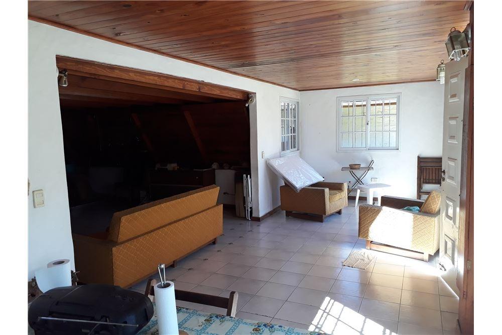 venta casa de 4 amb con jardín (matheu-escobar)