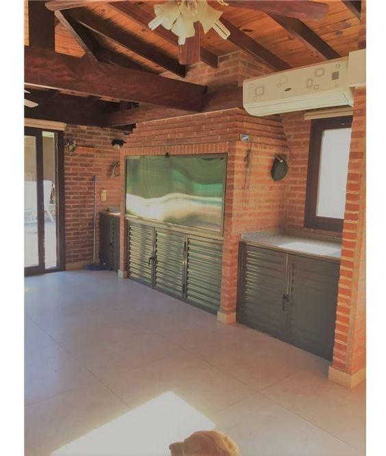 venta casa de 4 dormitorios pileta cocheras  tigre