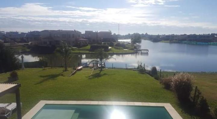 venta casa de 5 amb. a la laguna - villanueva - tigre