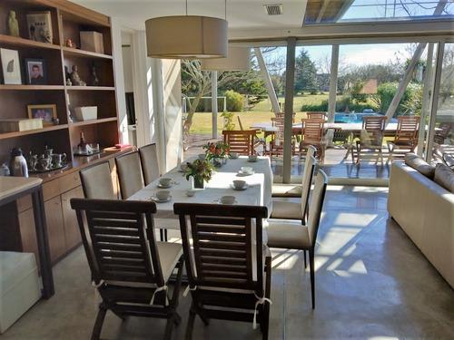 venta casa de 5 ambientes en abril