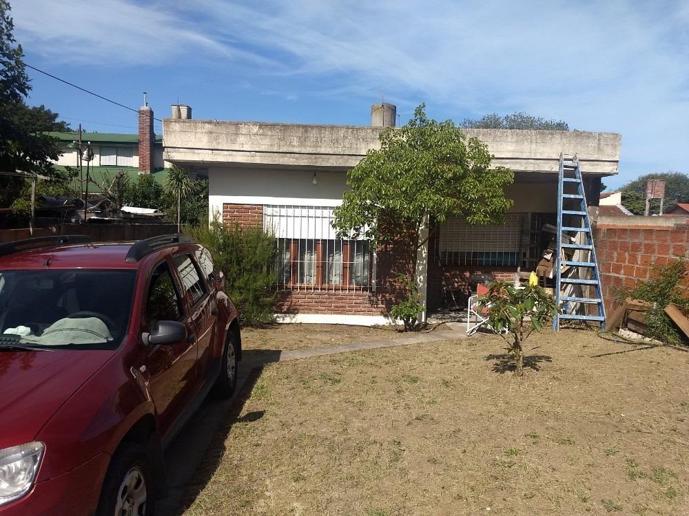 venta casa + departamento en mar de ajo