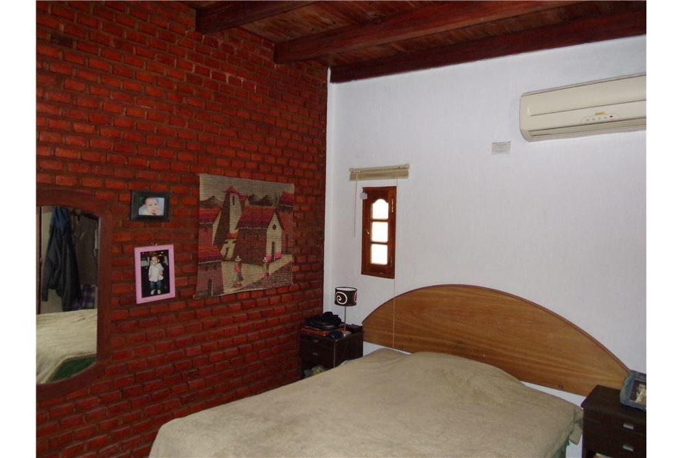 venta casa dos dormitorios roldan barrio la casona