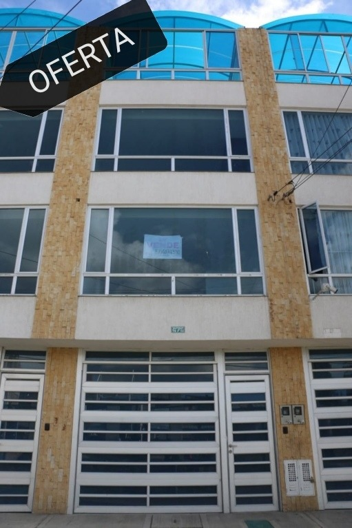 venta casa en banderas 4 plantas