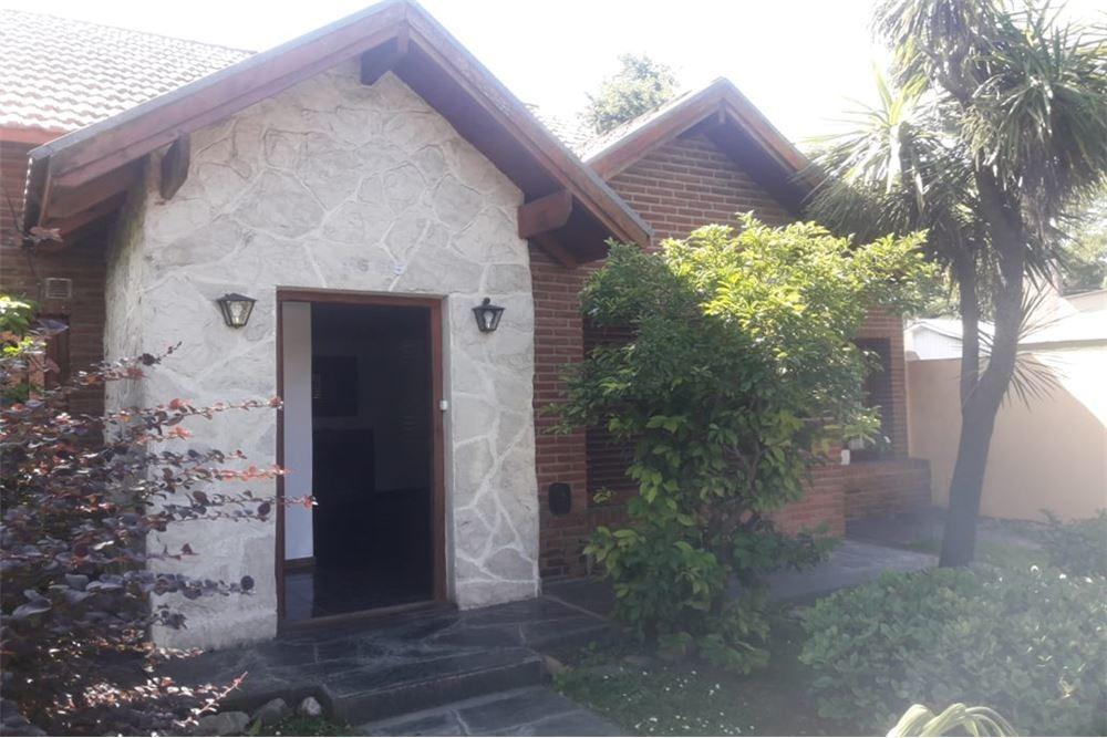 venta casa en barrio caisamar