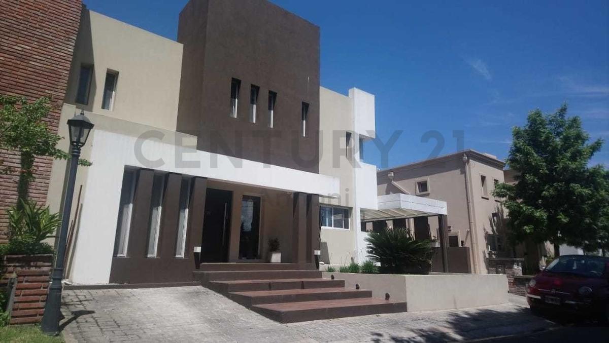 venta casa en barrio cerrado amancay en san isidro