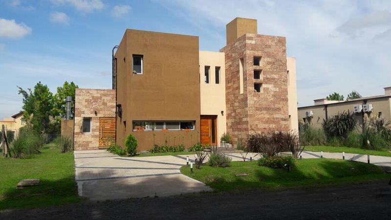 venta - casa en barrio malibú