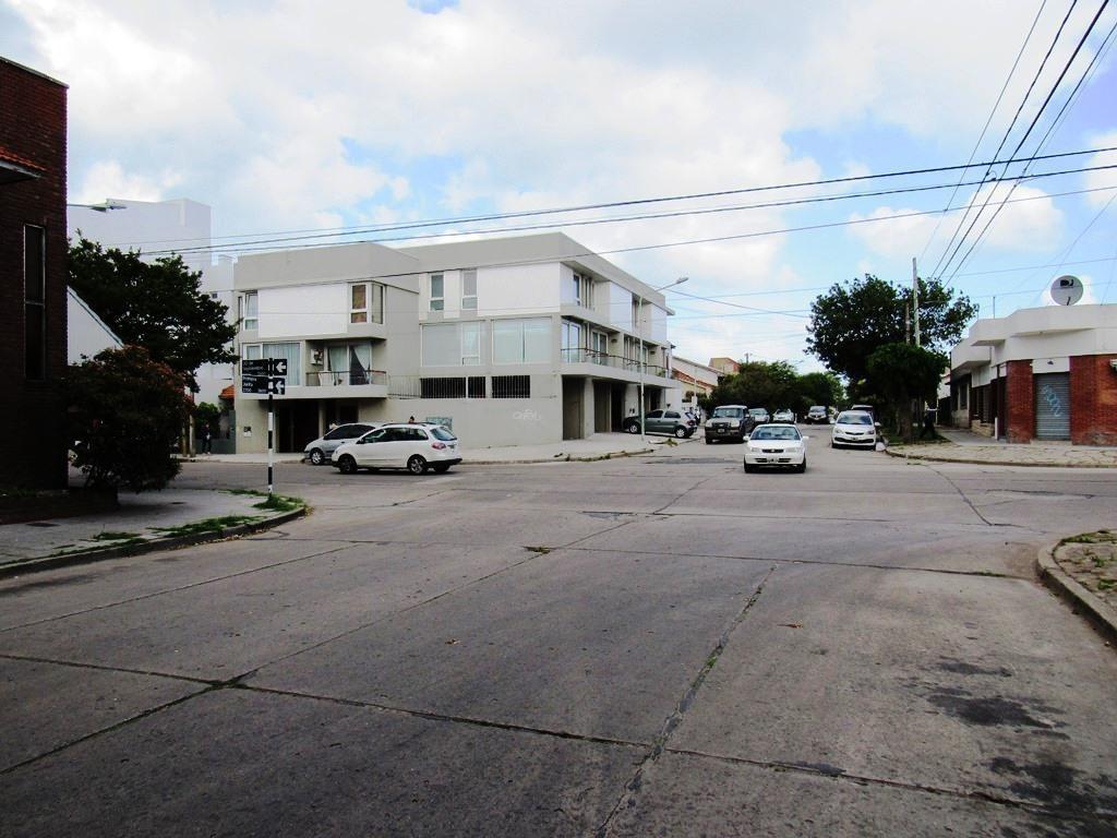 venta casa  en  barrio  san jose reciclada!