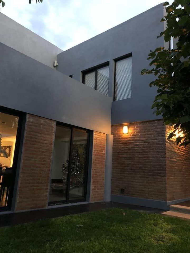 venta casa en barrio santa rita