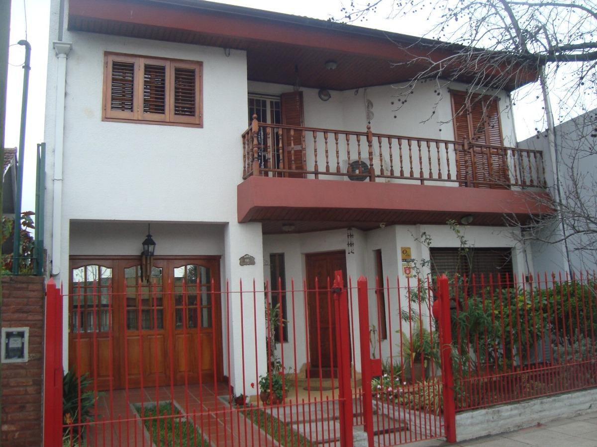 venta casa en burzaco tipo chalet.4 dorm, garage +fondo