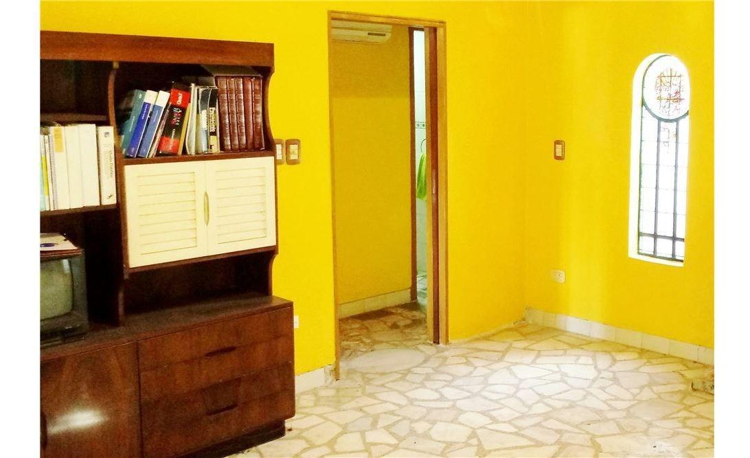 venta casa en castelar - retasada!!  2 dormitorios