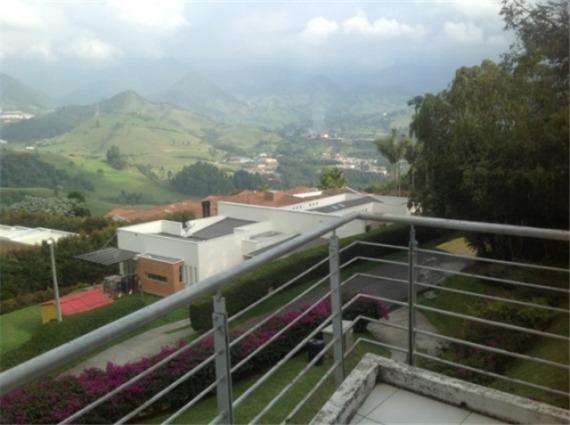 venta casa en cerros de la alhambra