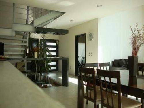 venta casa en condominio chico con alberca col. maravillas