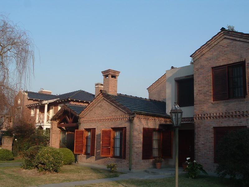 venta - casa en el barrio privado el ombú