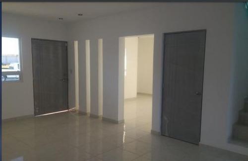 venta casa en el fraccionamiento cañadas del arroyo corregidora queretaro rcv200529-es