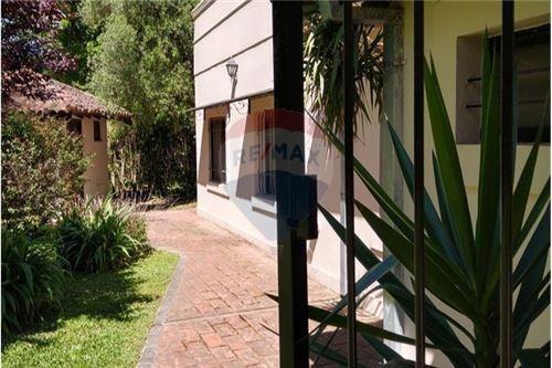 venta casa en el remanso 5 ambientes, pileta