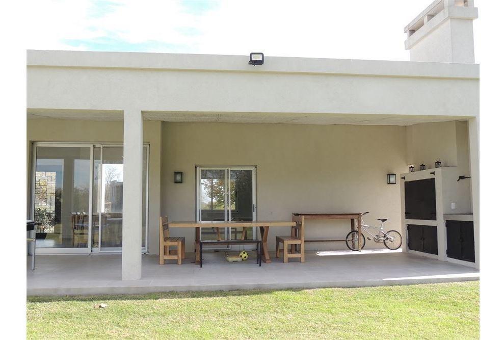 venta - casa en estancias del pilar golf- retasada