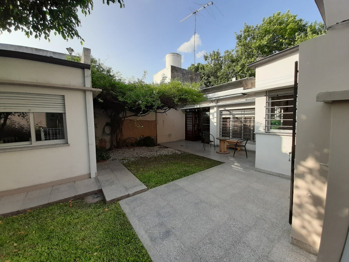 venta casa en excelente zona . avenida 25 entre 48 y 49