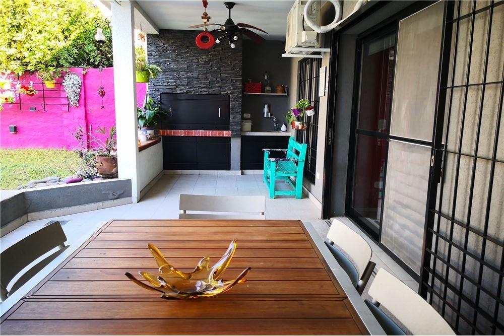 venta casa en florida oeste con pileta y jardín