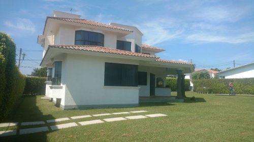 venta casa en fraccionamiento lomas de cocoyoc
