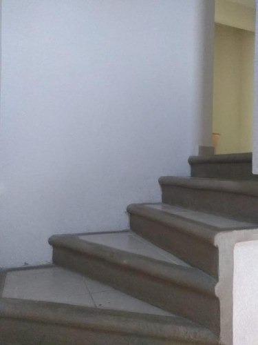 venta casa en fraccionamiento los laureles - v169