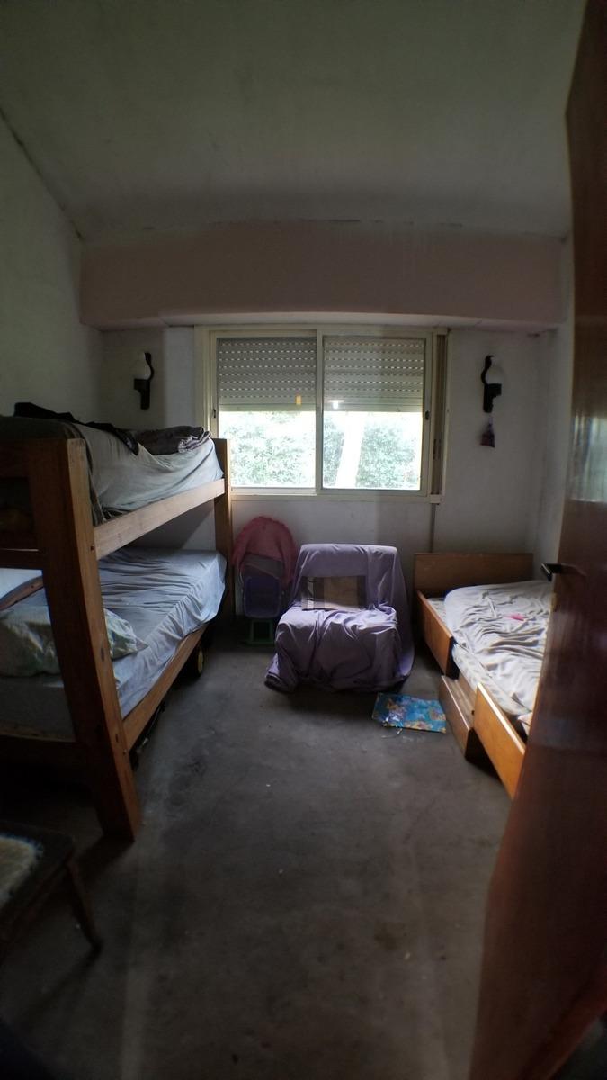 venta. casa en funes 2 dormitorios, pileta, parada 17