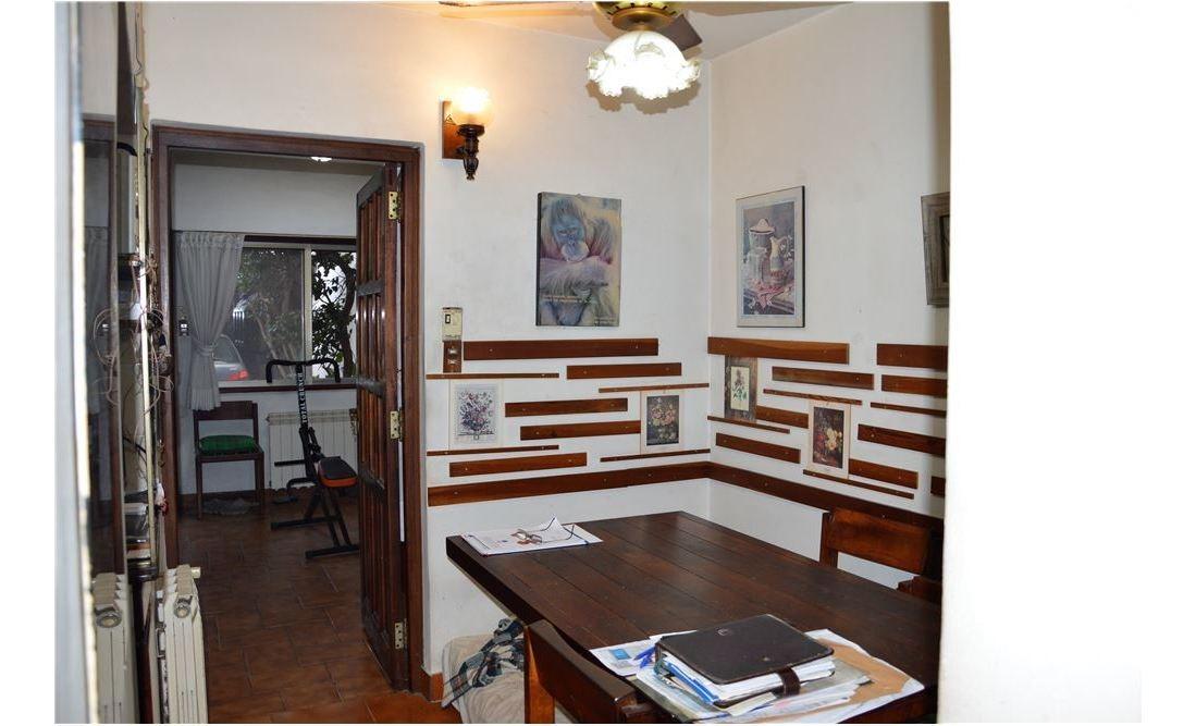 venta casa en la mejor zona monte castro lote 9x28