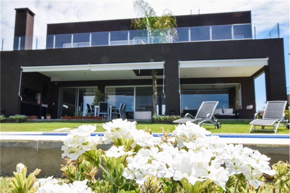 venta casa en lagos del golf - al lago - nordelta